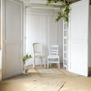 arche pour cérémonie laîque avec vieilles portes